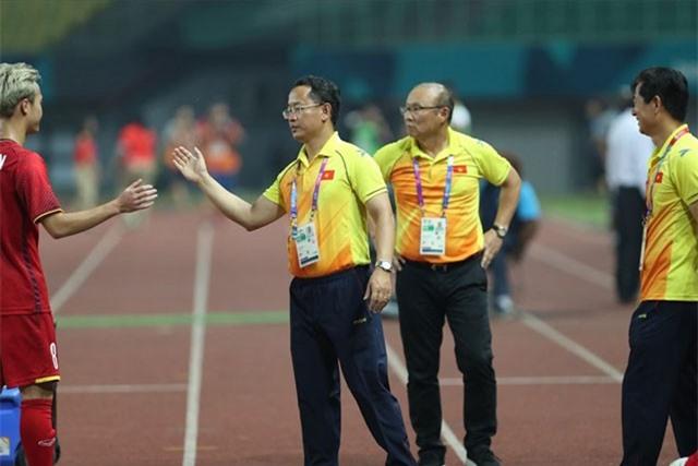 """VFF tìm được trợ lý mới cho thầy Park, tiết lộ lý do gây """"sốc"""" về việc ông Lê Huy Khoa bị chấm dứt hợp đồng"""
