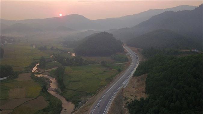 'Bay' trên con đường gần 3.000 tỷ nối liền Hà Nội - Hòa Bình - ảnh 1