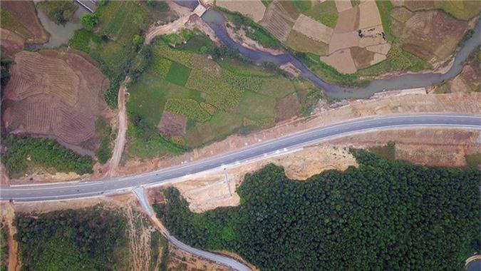 'Bay' trên con đường gần 3.000 tỷ nối liền Hà Nội - Hòa Bình - ảnh 2