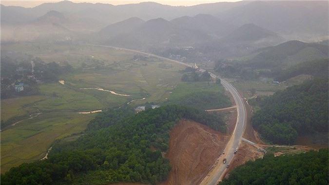 'Bay' trên con đường gần 3.000 tỷ nối liền Hà Nội - Hòa Bình - ảnh 4