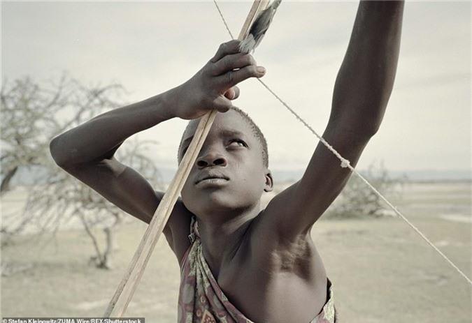 bo lac nguyen thuy tanzania song nhu thoi co dai o thoi hien dai hinh anh 3