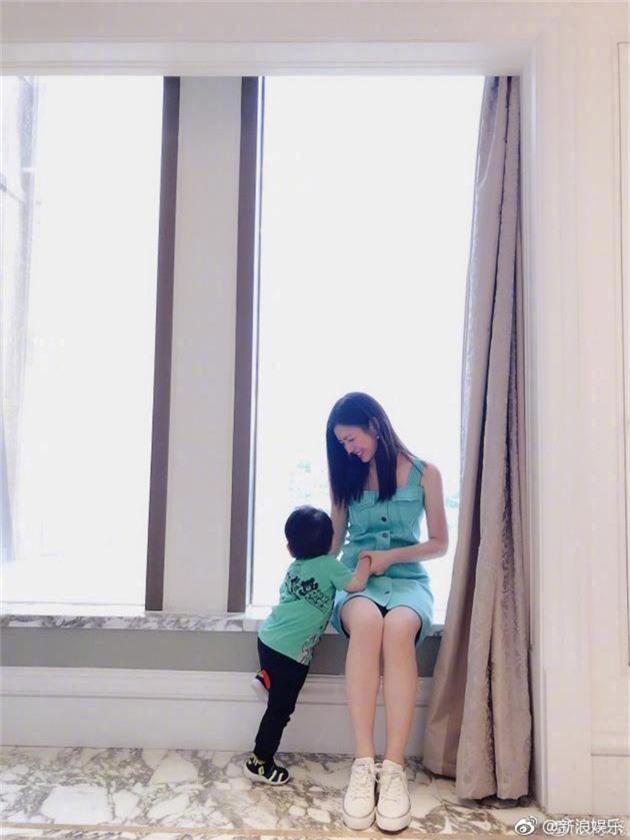 Rộ tin Tiểu Long Nữ Trần Nghiên Hy mang thai lần hai, khoe khéo tin vui trên mạng xã hội? - Ảnh 4.