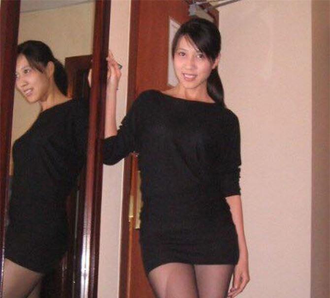 Vợ Phạm Anh Khoa thuở thanh xuân xinh đẹp không kém bạn thân Hà Tăng