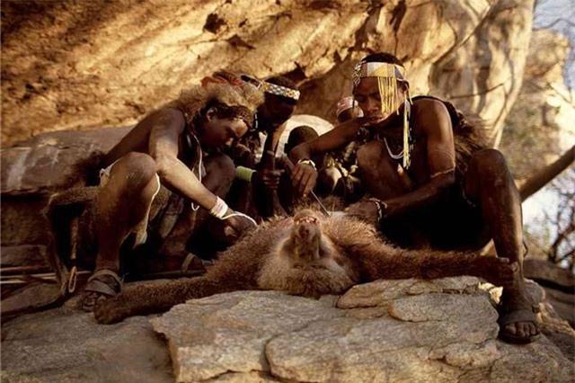 Bộ lạc nguyên thủy Tanzania sống như thời cổ đại ở thời hiện đại