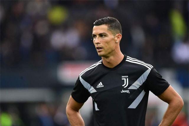 """Ronaldo bị tố hiếp dâm: Nguy cơ lĩnh án tù 10 năm, Real ép """"bịt miệng"""""""