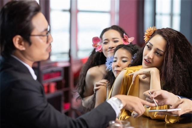Kiều Minh Tuấn từ chối Bảo Anh để yêu búp bê