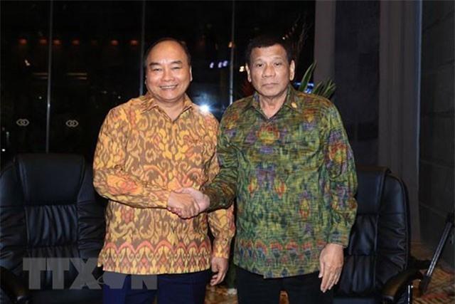 Thủ tướng Nguyễn Xuân Phúc gặp song phương Tổng thống Philippines Rodrigo Duterte. (Ảnh: Thống Nhất/TTXVN)