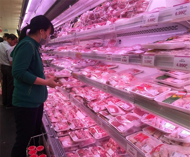 Do giá thịt heo bán quá cao, Vissan đã đề nghị cho tăng giá (Ảnh: ĐL).