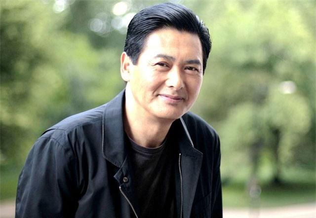 """Tài tử """"keo kiệt"""" nhất làng giải trí Trung Quốc quyên góp tài sản hơn 700 triệu USD làm từ thiện?"""