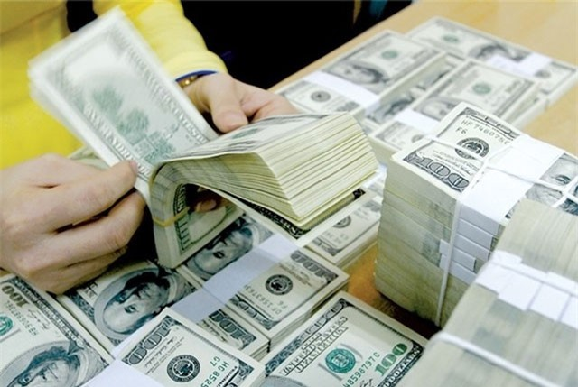 Tỷ giá ngoại tệ ngày 17/10: Áp lực tứ bề, USD giảm tiếp