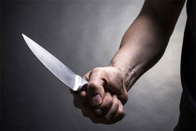 Nhậu say về lấy dao đâm vợ dã man