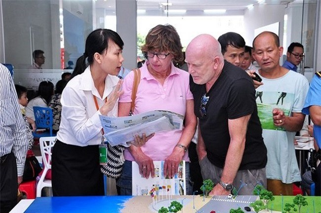 Người lao động nước ngoài ở Việt Nam phải đóng BHXH