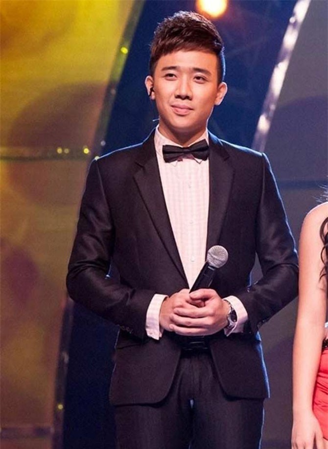 Không chỉ các chị em, MC nam Trấn Thành, Quang Bảo... cũng xấu hổ vì rách quần