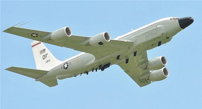 """Đến lượt máy bay Anh lượn lờ, """"nhòm ngó'' tên lửa S-300 của Syria"""