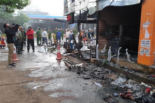 Cháy cửa hàng bán hoa ở chợ Hòa Thắng (Đắk Lắk) lúc rạng sáng, 2 người tử vong