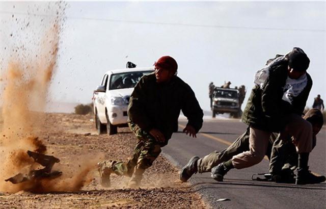 Syria: Hứng đòn đau ở Deir Ezzor, IS hốt hoảng chạy thoát thân