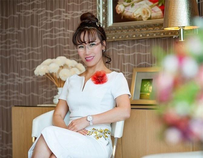 """Lợi nhuận Vietjet tăng 59%, tài sản tỷ phú Nguyễn Thị Phương Thảo vẫn """"bốc hơi"""" gần 500 tỷ"""
