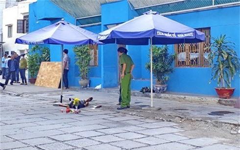 Thi thể nạn nhân Nguyễn Xuân Thủy tại hiện trường