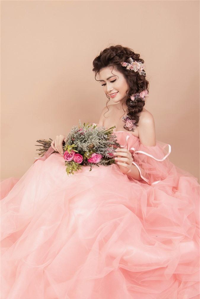 3 kiểu trang điểm cô dâu mùa thu tông hồng cam