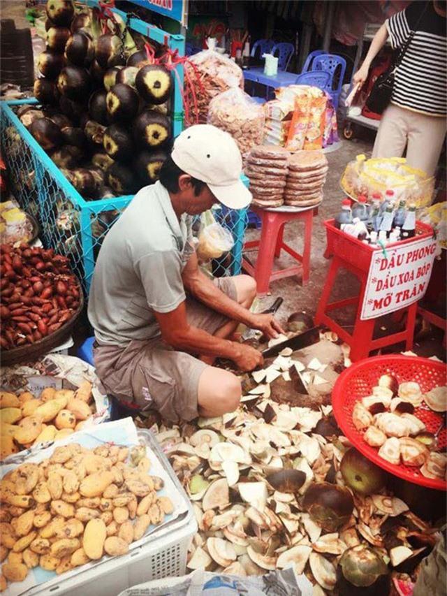 Các sản phẩm làm từ quả thốt nốt là đặc sản của vùng đất An Giang