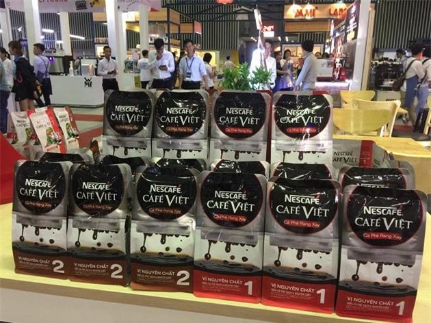 Nhiều thương hiệu cà phê nổi tiếng được trưng bày tại buổi triển lãm (Ảnh: ĐL)