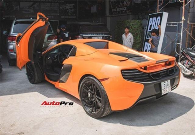 """Siêu xe McLaren 650S mang màu sơn dễ lầm tưởng là xe của Minh """"nhựa""""."""