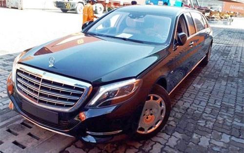 Siêu xe Mercedes-Maybach S600 Pullman thứ 2 tại Việt Nam. Hình ảnh chiếc Mercedes-Maybach S600 Pullman thứ 2 vừa được khui công tại Việt Nam đã được tiết lộ, tuy nhiên giá bán chính thức của xe chưa được tiết lộ. (CHI TIẾT)