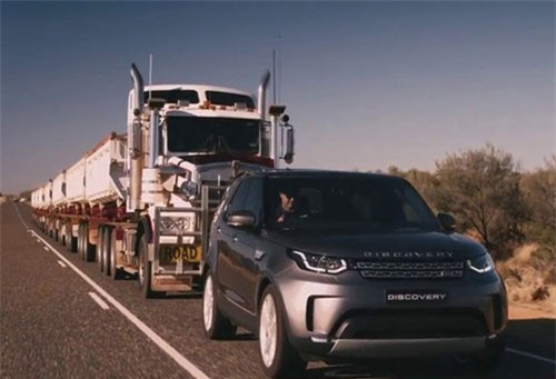 Clip: Loạt xe SUV, bán tải trổ tài kéo máy bay. Toyota Tundra, Land Rover Discovery Sport, Land Rover Discovery, Tesla Model X P100D, Volkswagen Touareg, Nissan Patrol hay Porsche Cayenne Turbo S lần lượt trổ tài kéo máy bay, tàu hỏa hoặc xe tải. (CHI TIẾT)