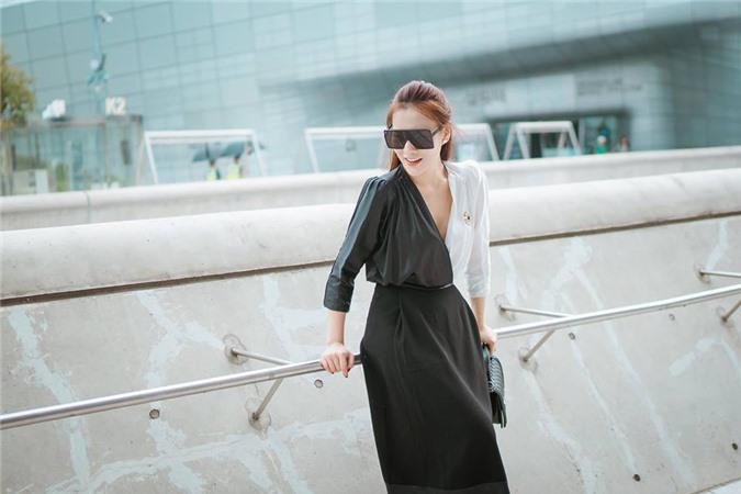 Dù đang khá nổi tiếng với 'Quỳnh búp bê' nhưng Phương Oanh cho biết cô khá kén show vì muốn tận dụng hình ảnh của mình một cách hiệu quả. Ảnh: Vietnamnet