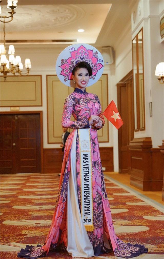 Loan Vương đăng quang Hoa hậu Quý bà quốc tế 2018 - Ảnh 1.