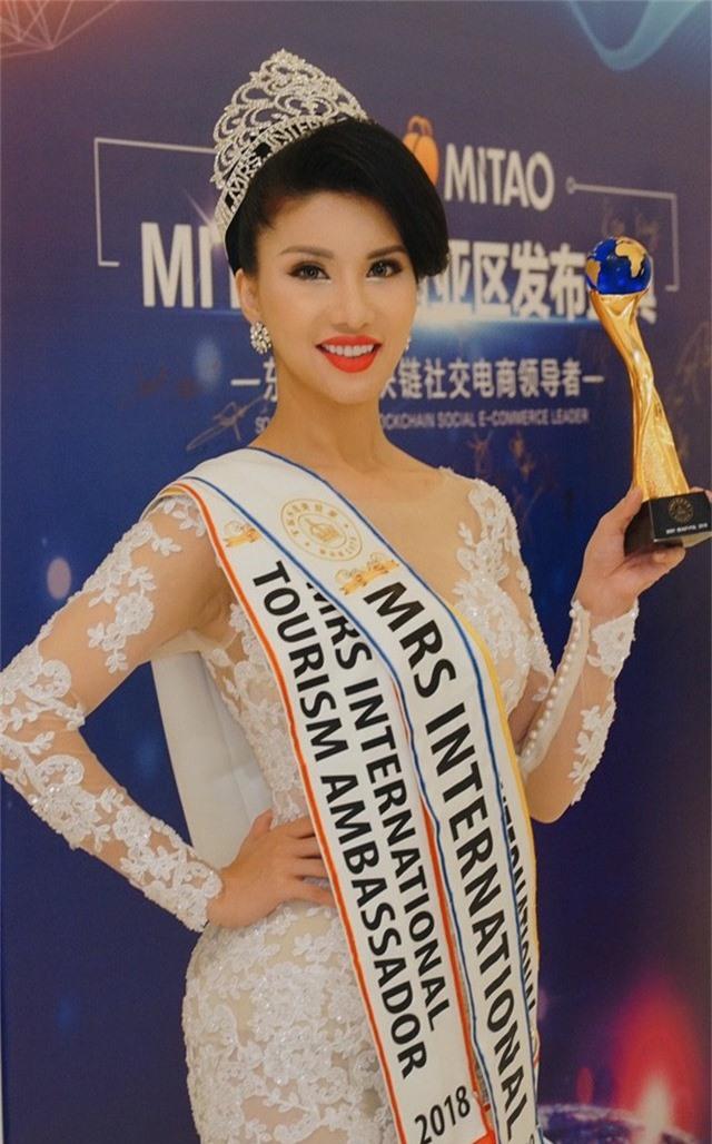 Loan Vương đăng quang Hoa hậu Quý bà quốc tế 2018 - Ảnh 3.