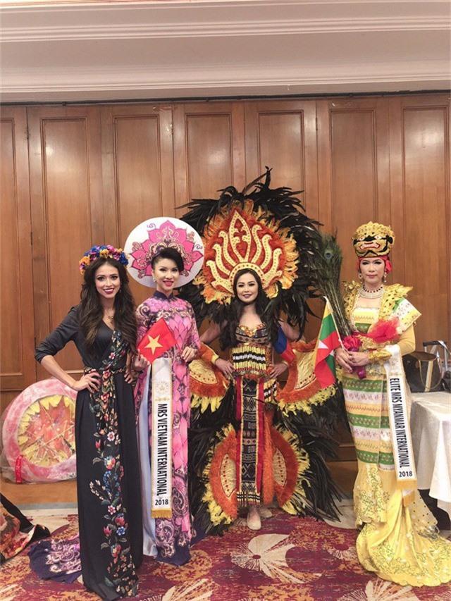 Loan Vương đăng quang Hoa hậu Quý bà quốc tế 2018 - Ảnh 6.