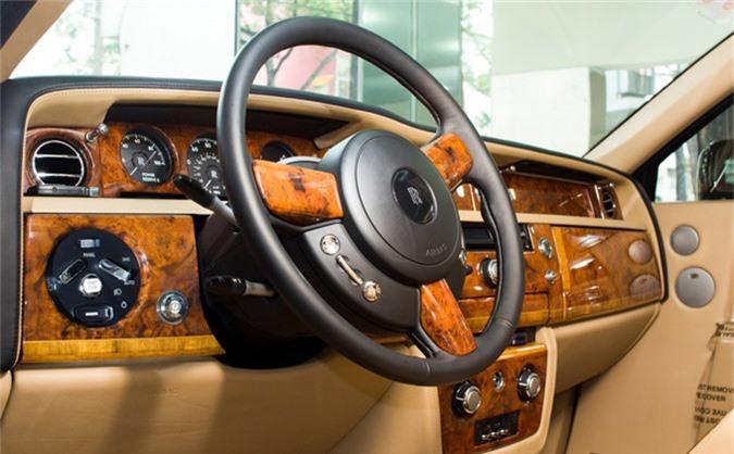 Thú chơi xe - Nhà giàu Việt chơi xe Rolls-Royce, 10 năm 'bay' đôi chục tỷ (Hình 4).