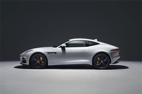 1. Jaguar F-Type (giá khởi điểm: 62.395 USD).