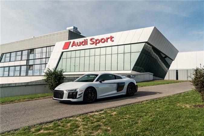 Audi R8 V10 hieu suat cao ra mat voi gioi han 10 chiec hinh anh 1