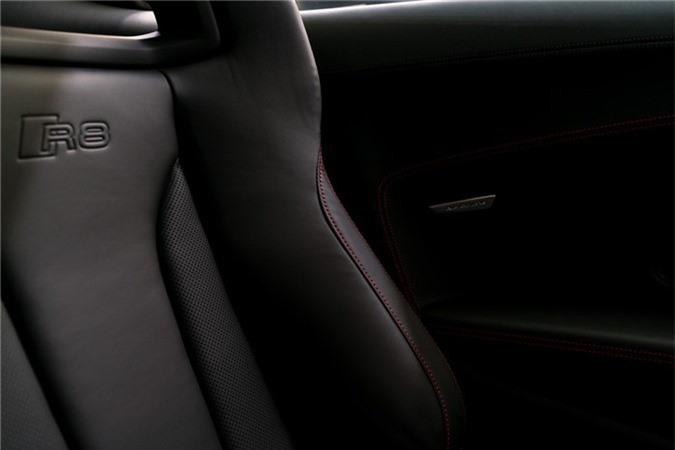 Audi R8 V10 hieu suat cao ra mat voi gioi han 10 chiec hinh anh 8