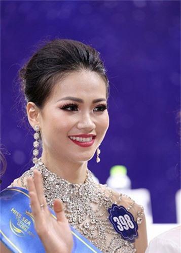Trong nua nam, nhan sac Hoa hau Phuong Khanh thay doi chong mat-Hinh-2