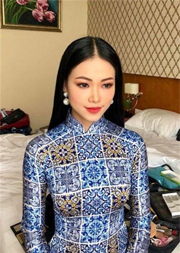 Trong nua nam, nhan sac Hoa hau Phuong Khanh thay doi chong mat-Hinh-8