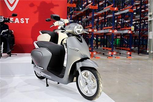 Cơ hội nào cho xe máy VinFast tại Việt Nam. Klara đón đầu xu hướng tiêu dùng, tích hợp nhiều công nghệ nhưng sẽ phải thuyết phục khách hàng với mức giá ngang xe ga truyền thống. (CHI TIẾT)