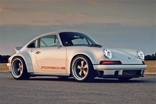 8. Porsche 911 Singer DLS.