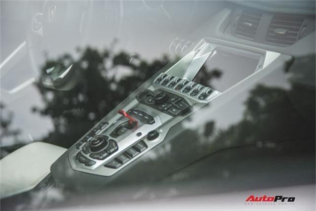 Lamborghini Aventador Roadster từng của Cường Đô-la lạ lẫm sau khi qua tay đại gia Hà thành - Ảnh 11.