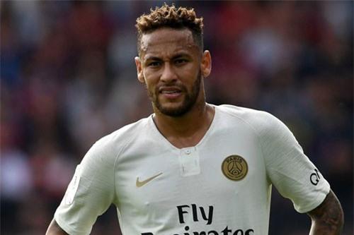 Tiền vệ trái: Neymar (Paris Saint-Germain, giá: 180 triệu euro).
