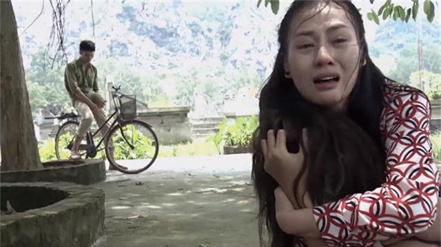 Cảnh Quỳnh khóc ngất khi gặp lại Lan trong tình cảnh Lan bị điên ở tập mới nhất cuae Quỳnh búp bê.
