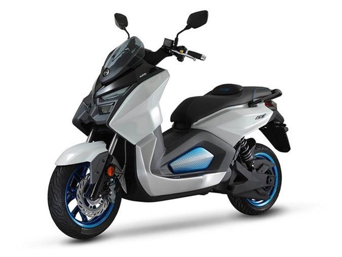 Xe tay ga chạy điện SYM EE1 có thể đạt vận tốc 130km/h ảnh 2