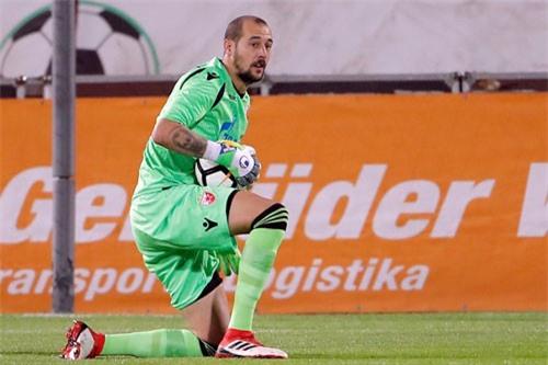 Thủ môn: Milan Borjan (Red Star Belgrade).
