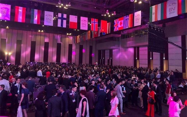-Hơn 3.000 doanh nhân đến từ hơn 80 quốc gia đã có mặt tại Băngkok, Thái Lan để tham dự Hội nghị lớn nhất trong năm của BNI và lần đầu tiên diễn ra ngoài nước Mỹ