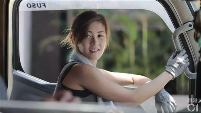 Cô gái Hongkong mình hạc xương mai 10 năm làm nghề bốc vác - Ảnh 5.