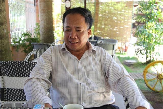Ông Nguyễn Hữu Hà nguyên giáo viên trường Tiểu học Nguyễn Du bị cáo buộc với hàng loạt vi phạm