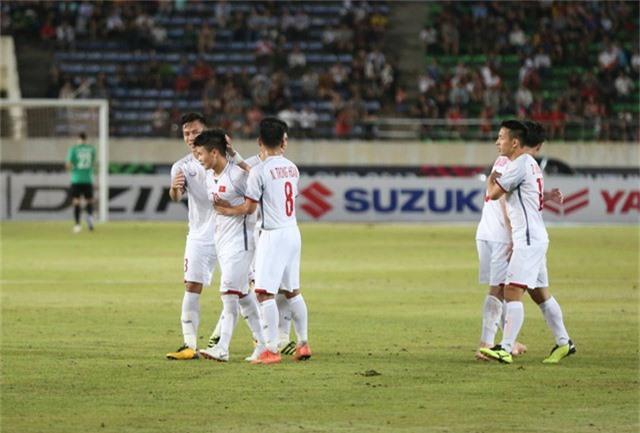 Quang Hải ấn định chiến thắng 3-0 cho đội tuyển Việt Nam trước Lào