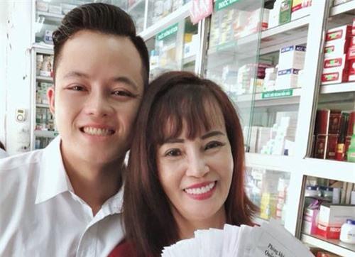 Cư dân mạng phẫn nộ trước chiêu trò của vợ chồng cô dâu 62 tuổi ở Cao Bằng